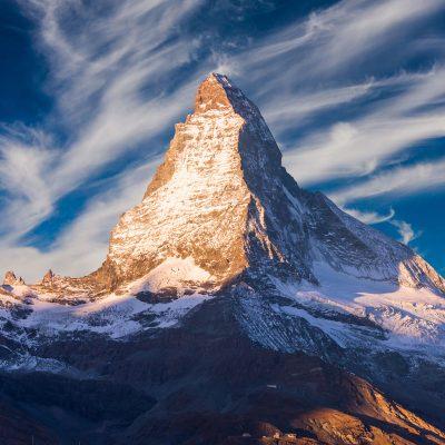 materhorn-peak-at-sunset-in-zermatt-switzerland-ENA7BHB